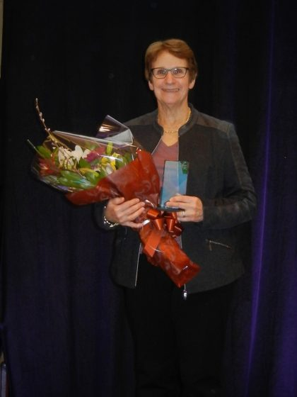 Dr. Weinberg receives Starfish award at the 7th International Conference on FASD